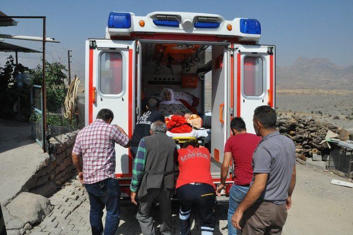 152 kiloluk kadın obez ambulansla taşındı