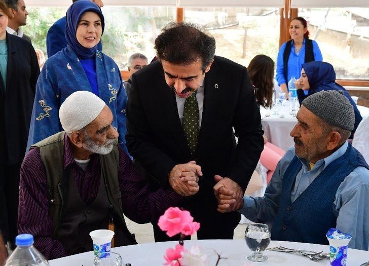 Büyükşehir Belediyesi yaşlıları unutmadı