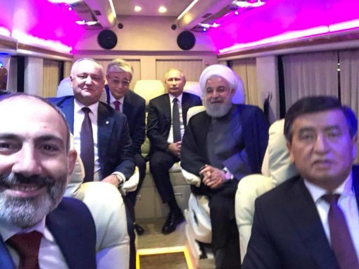 Liderlerden minibüste 'yol özçekimi'