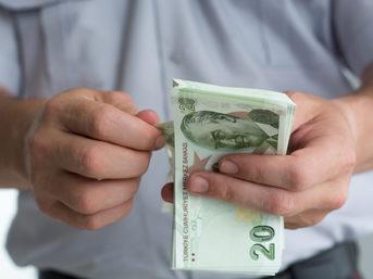 Bazı özel dokunmuş mensucat ürünlerinin ithalatına yüzde 10 ilave gümrük vergisi getirildi.