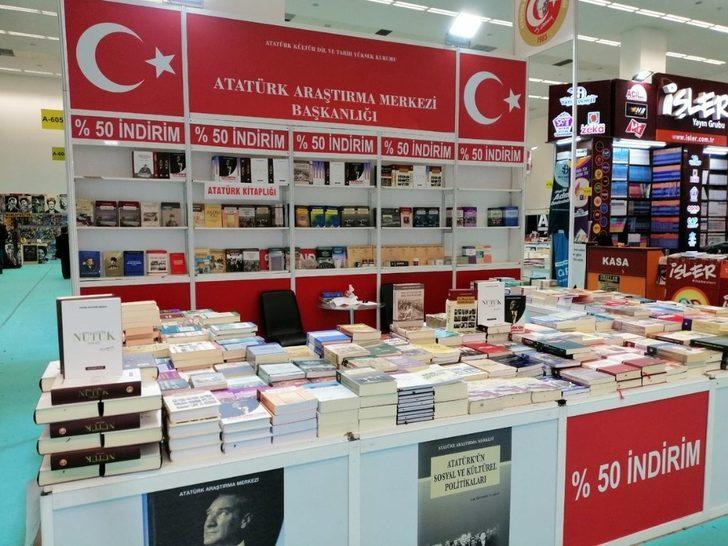 Atatürk Araştırma Merkezi yayınları Eskişehir Kitap Fuarı'nda