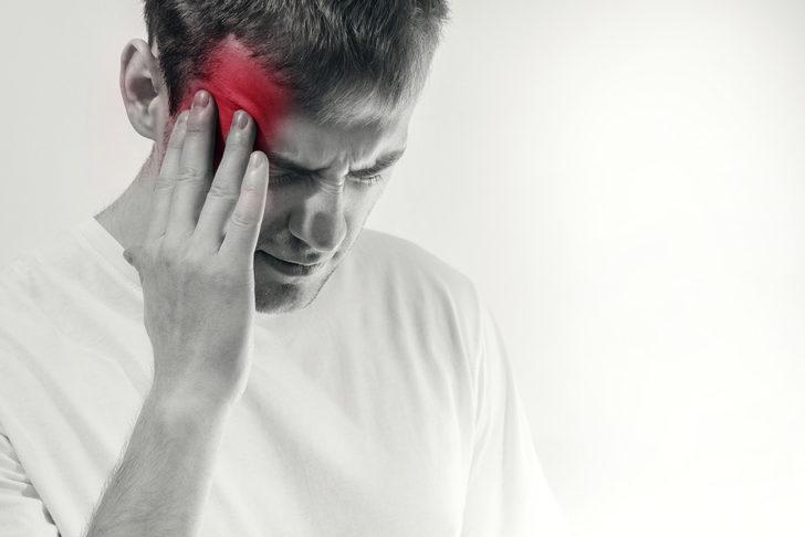 Şiddetli baş ağrısı neden olur? Beyin tümörü nedir? Beyin tümörü belirtileri nelerdir?