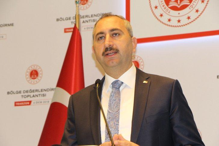 """Adalet Bakanı Gül: """"Siyasi ve ekonomi istikrar kadar hukuk istikrarı da çok önemli"""""""