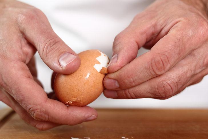 30 saniyede yumurta soyma yöntemi