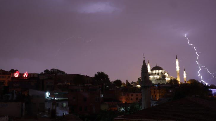 İstanbul'da sağanak yağış etkili oluyor - 1