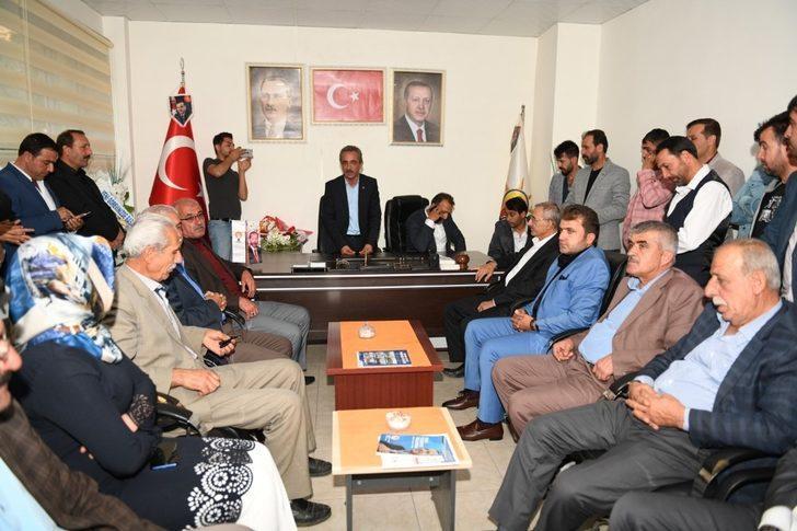 AK Parti Çatak İlçe Başkanlığında devir teslim töreni