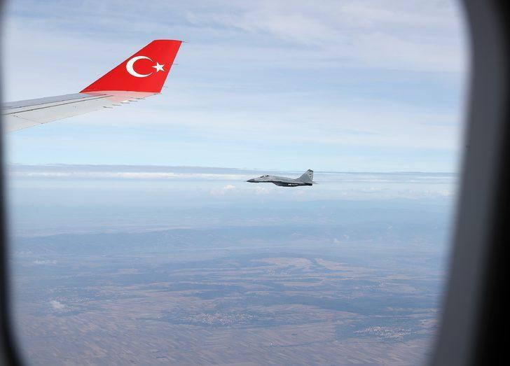 Sırbistan uçakları Cumhurbaşkanı Erdoğan'ın uçağına eşlik etti