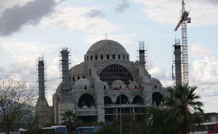 Trabzon'da cami inşaatında çökme meydana geldi: 2 yaralı