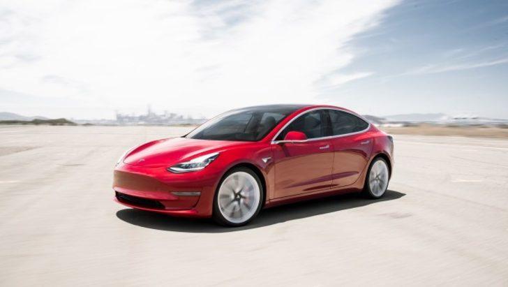 Tesla sahipleri motor ve korna seslerini değiştirebilecekler