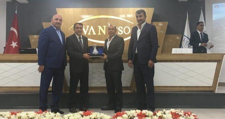 Başkan Aslan, Van TSO'nun meclis toplantısına katıldı