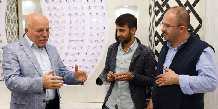 Başkan Sekmen Yakutiye'de esnafı gezdi ile ilgili görsel sonucu