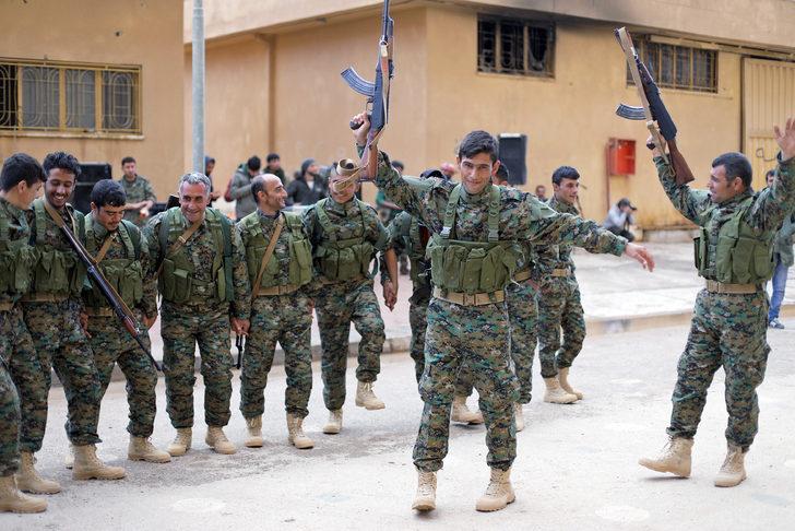 Terör örgütü SDG, IŞİD'e karşı savaşmayı bıraktı!