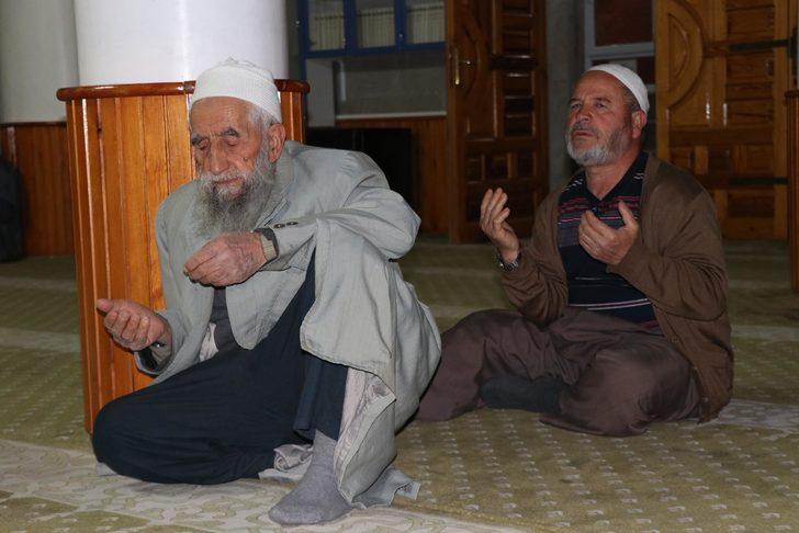 Kayseri'de sabah namazında 'Fetih Suresi' okundu