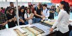 ASÜ öğrencilerinden kitap fuarına yoğun ilgi