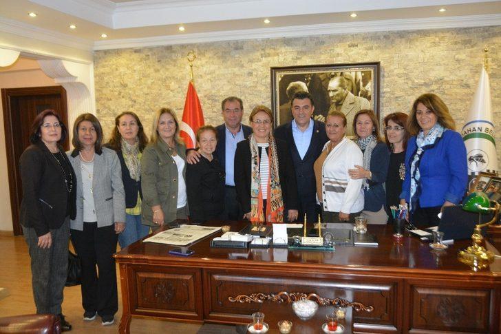 Başkan Demir CHP kadın kolları başkanını ağırladı