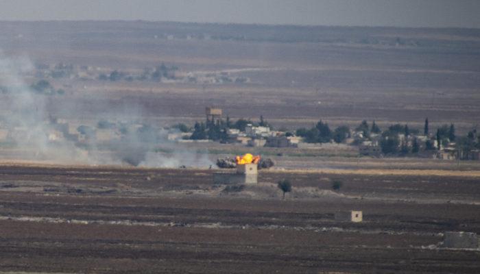 Barış Pınarı Harekatı'nda Ayn El Arab'daki terör hedefleri, top atışları ile vuruldu