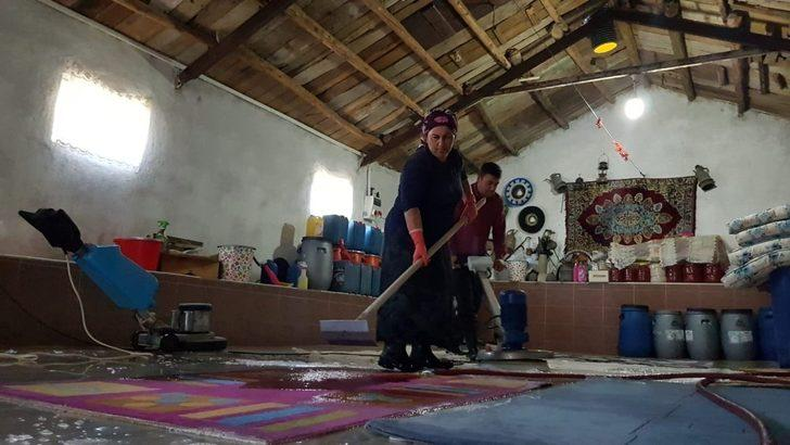 Çok sevdiği işi yapmak için ahırı halı yıkama tesisine çevirdi