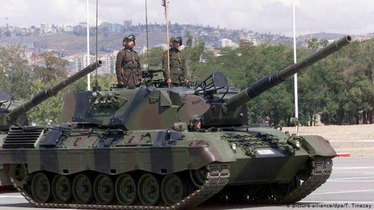 Almanya Türkiye'ye silah satışını askıya aldı
