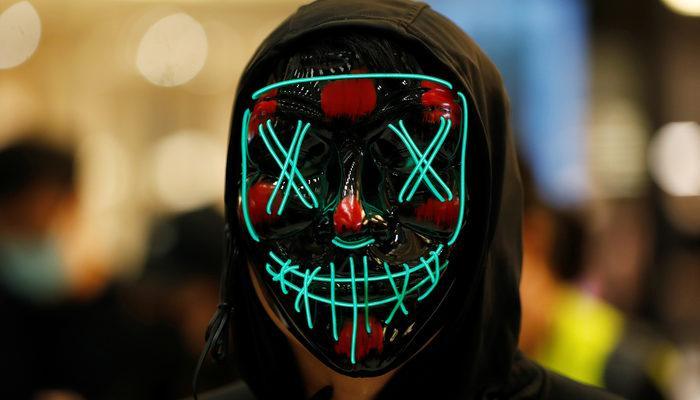 Çin'in Hong Kong Özel İdari Bölgesi'nde maskeli protesto