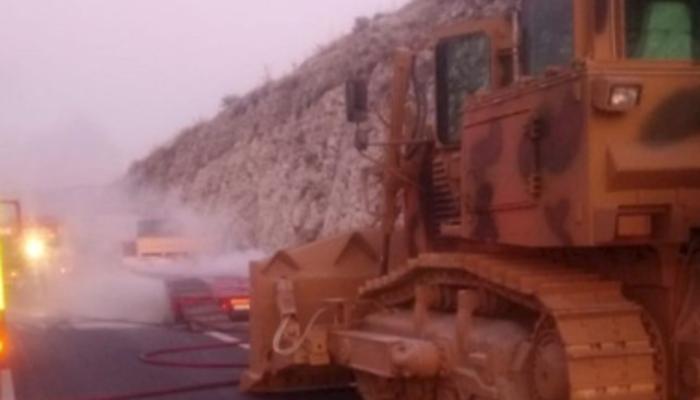 Barış Pınarı Harekatı'na sevkıyat yapan askeri konvoyda yangın!