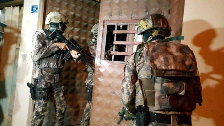 Bursa'da bin polisle şafak operasyonu