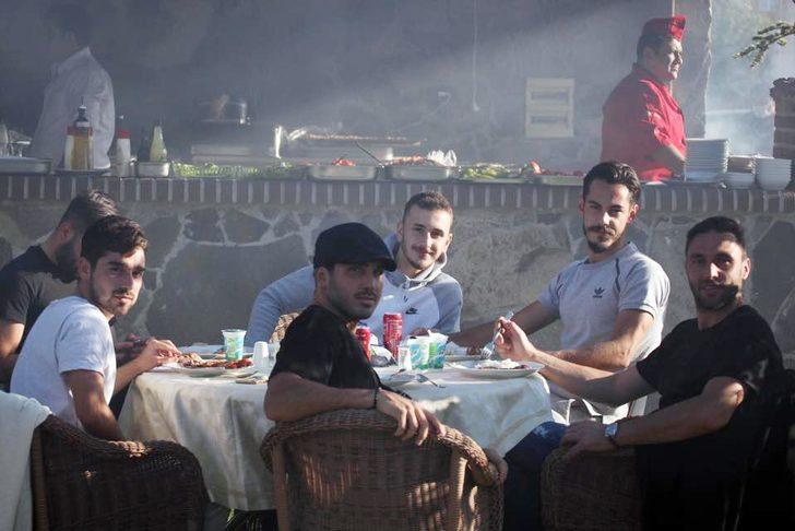 Kayserispor'a moral yemeği