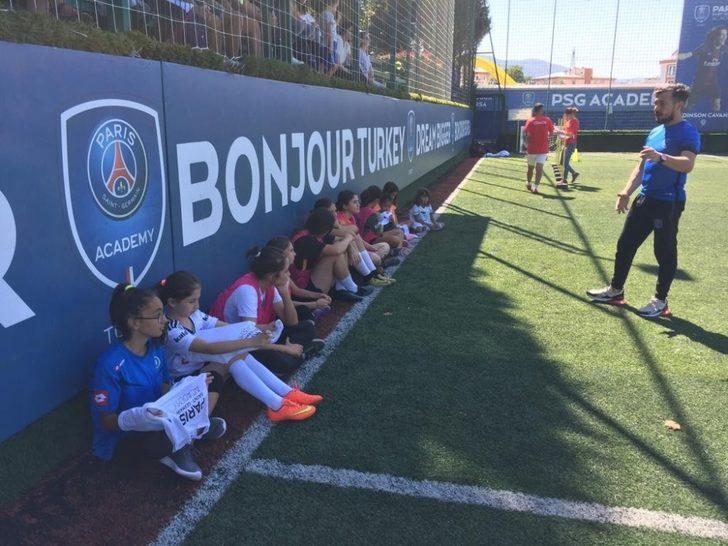 Bursa'da kız sporculara tam destek