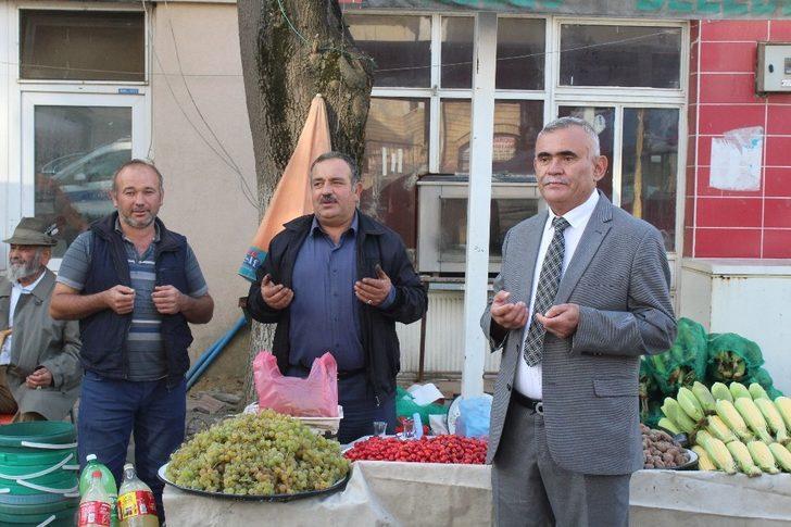 Dualarla açılan Keles Pazarı'nda bu sefer Barış Pınarı için dua edildi