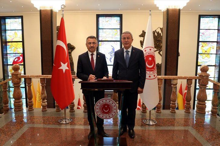 Cumhurbaşkanı Yardımcısı Fuat Oktay'dan Bakan Akar'a ziyaret