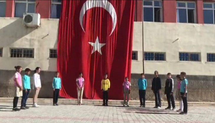 Öğrencilerden Barış Pınarı Harekatına destek