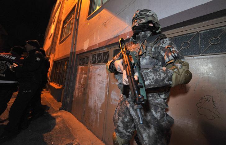 Bursa'da şafakta FETÖ operasyonu: 14 gözaltı