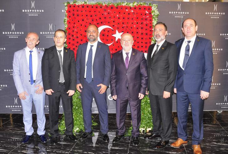 Çiçekçilerden Mehmetçik Vakfı'na 20 bin lira bağış