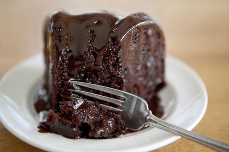Kolay ıslak kek tarifi, kolay ıslak kek nasıl yapılır?