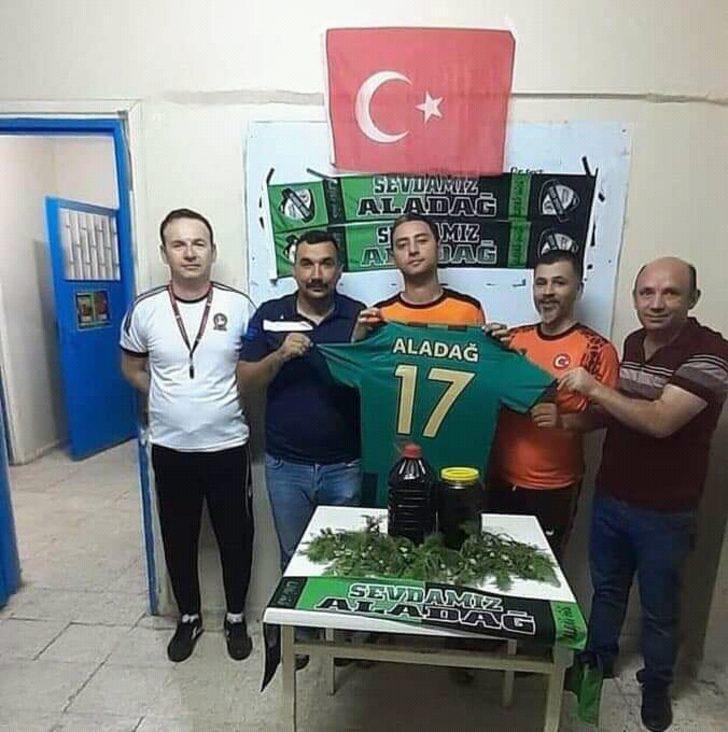 Aladağ Gücü, Oktay Karakan'ı 10 kilo pekmez karşılığı transfer etti