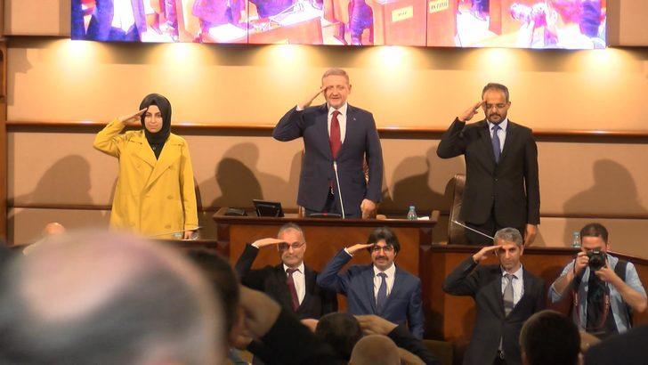İBB Meclisi'nden Mehmetçiğe asker selamı