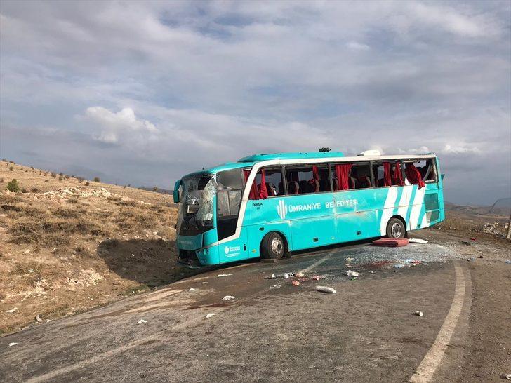 Çankırı'da cenazeye gidenleri taşıyan otobüs devrildi! Çok sayıda yaralı var