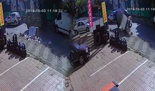 İnanılmaz kaza! Araç şaha kalktı