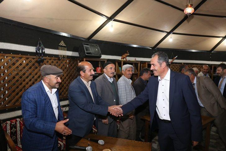 Gürpınar'da 'Dengbej Divanı' kuruldu