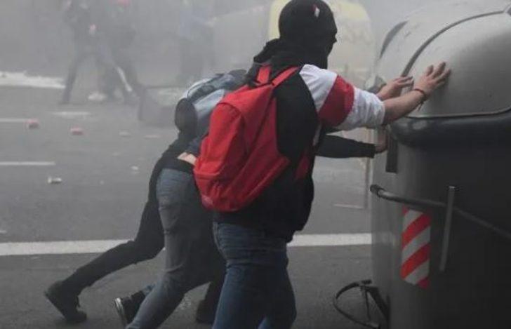 Şili'de ulaşım zammı protestoları! Sokaklar savaş alanına döndü