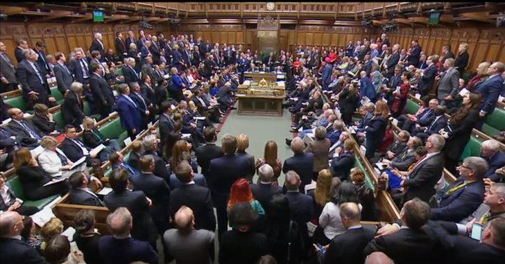 Brexit: İngiltere Parlamentosu 37 yıl sonra Cumartesi günü toplandı, gündeminde AB'yle varılan anlaşma var