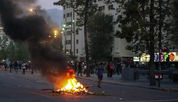 Öğrenciler 24 kuruş için ülkeyi yaktı!
