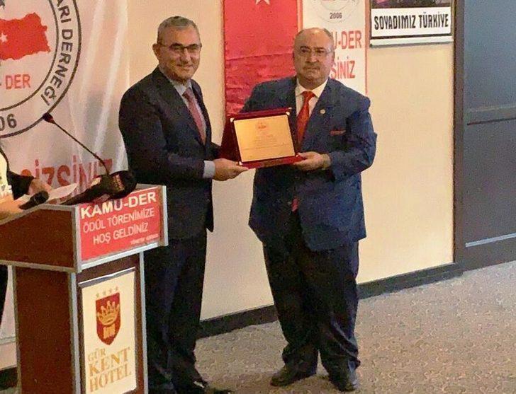 Alim Işık'a 'En Başarılı Belediye Başkanı' ödülü