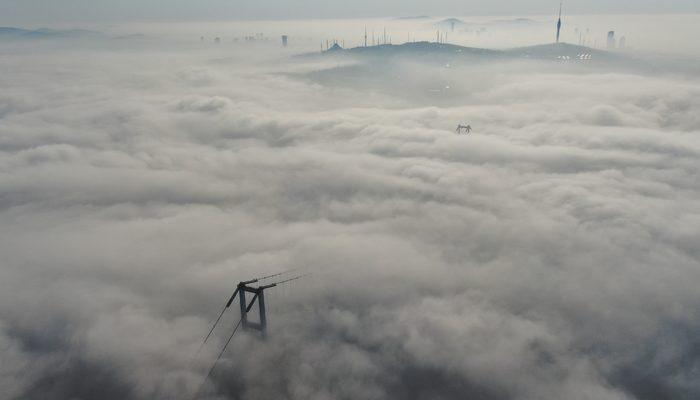 İstanbul'da etkili olan sis kartpostallık görüntüler oluşturdu