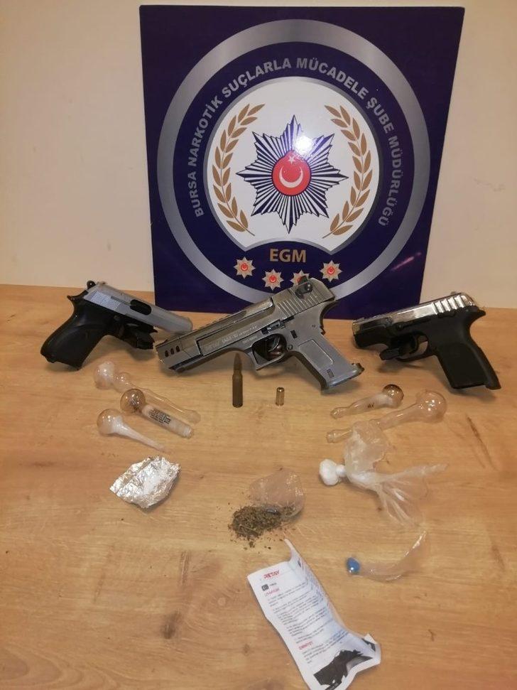 Bursa'da uyuşturucu operasyonu: 5 kişi tutuklandı