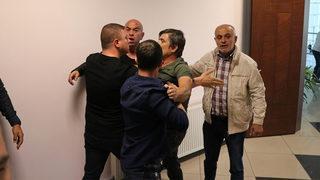 Denizlispor'un basın toplantısını silahla bastılar