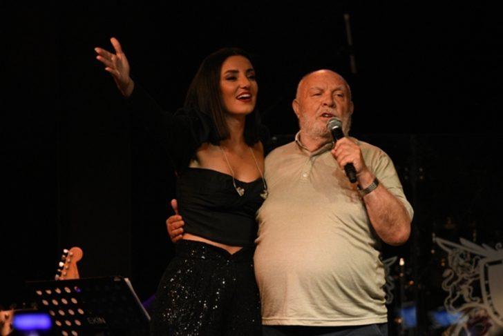 Musa Eroğlu ve Sevcan Orhan'dan seyirlik düet