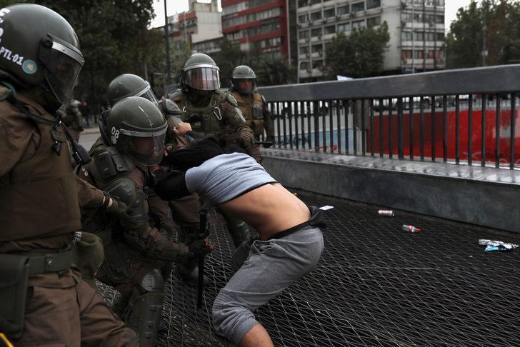 Şili'de protestolar kabine değişikliği getirdi