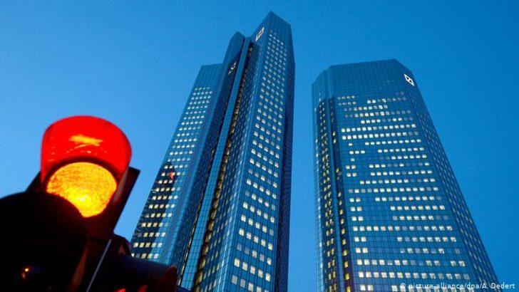 Deutsche Bank üçüncü çeyreği zararla kapattı