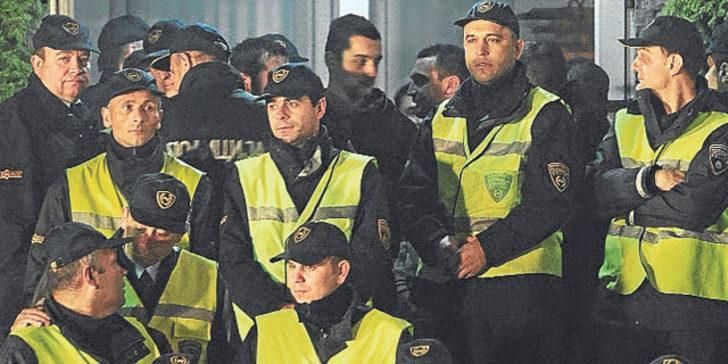 Yaprak Dökümü'ne polis baskını