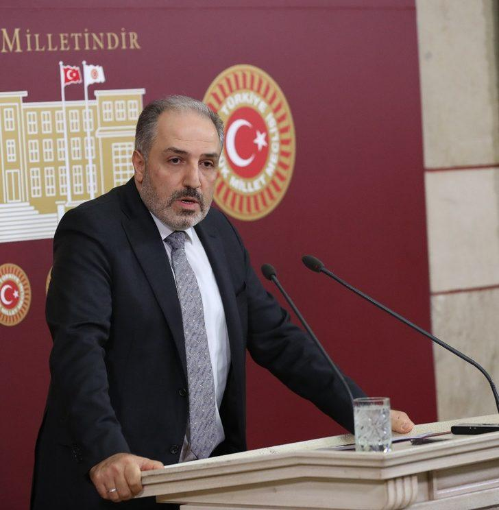 AK Parti İstanbul Milletvekili Mustafa Yeneroğlu partisinden istifa etti